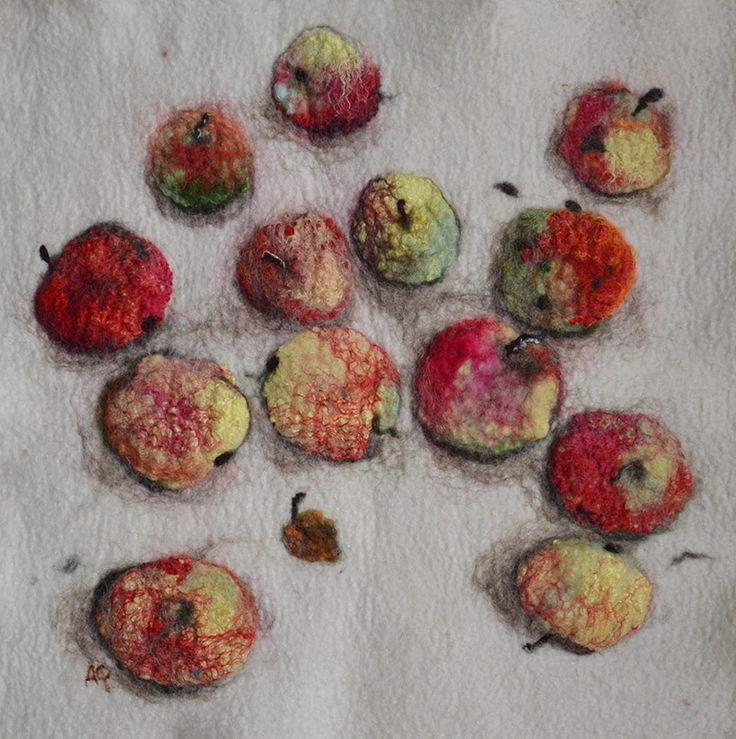 Яблочки, войлок (мокрое валяние), панно 33х33см 2016
