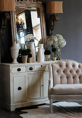 The Painted Lady Chicago | Furniture