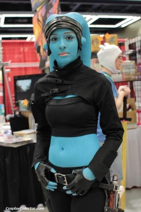 Beauty blue (Twi'lek) captured at Sakura-Con 2012 | She's a slave to no Hutt! | #twilek #cosplay #starwarstwileks #SWcosplayers #SWcostumes #SakuraCon2012 | https://twitter.com/TheRealCyberelf/status/656575441709305856 |
