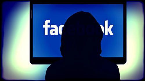 """Dlaczego strona """"Jan Paweł II gwałcił małe dzieci"""" jest zgodna ze standardami. Zaskakująca odpowiedź Facebooka"""
