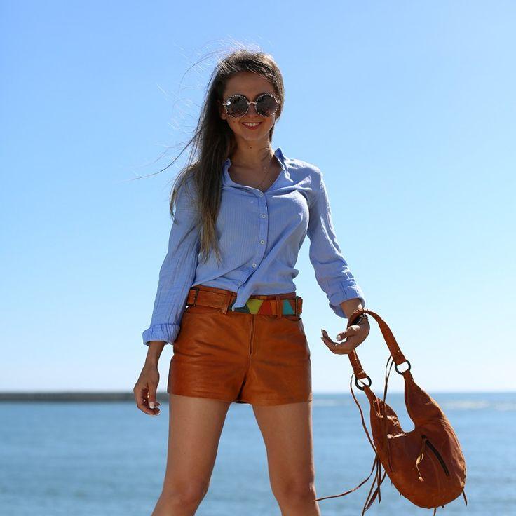Leather Shorts #Leather #Shorts #woman #calção #calções # pele #mulher #desubito
