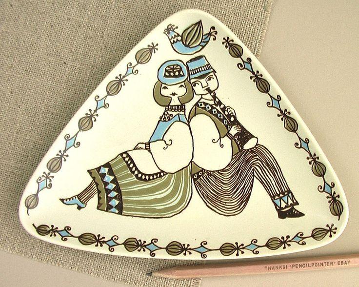 Vtg TURI FIGGJO Norway Triangular Dish FOLK ART Mid-Century Modern Art Pottery