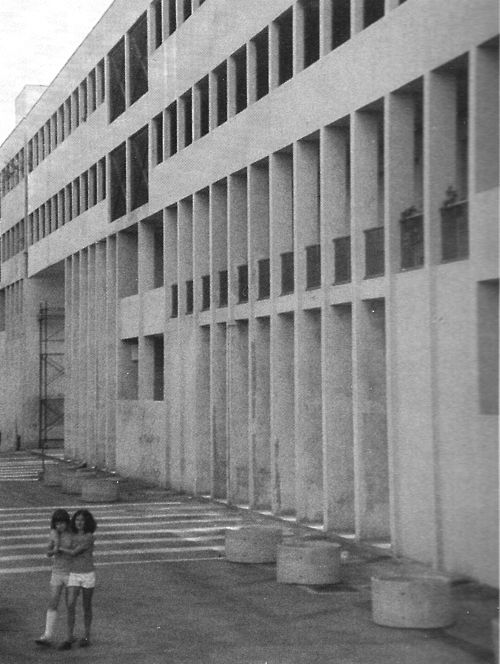 ALDO ROSSI    APARTMENT BLOCK / GALLARATESE QUARTER, MILAN 1970-74