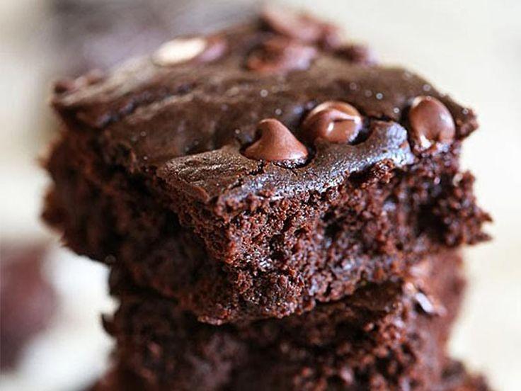 Une surprenante recette de brownie aux haricots rouges (red bean brownie). Un brownie sans gluten à préparer au Thermomix (TM5 ou TM31)