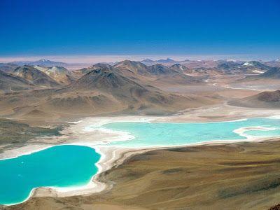 Este destino está localizado na região do Altiplano, na Cordilheira Ocidental da Bolívia, e é mais adequado para aquele tipo de turista que prefere uma aventura e não está muito preocupado com conforto. O Salar de Uyuni, a maior planície de sal do mundo, tem 12 km²! Na região é possível curtir e visitar a Laguna Colorado, o Deserto de Dali, os Gêiseres da Manhã, a Lagoa Verde e muitos mais. #ExploradoresdoFrio #Bolivia