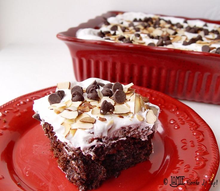 Cherry Chocolate Cake: Cakes Mixed, Cherry Chocolate Cakes, Cherries Cakes, Cherries Chocolates Cakes, Chocolate Cherry Cake, Cake Mixes, Cakes Jamie, Cakes Yum, Chocolates Cherries