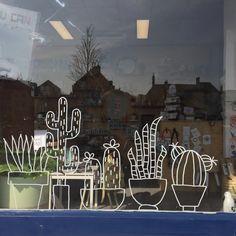 Cacti #windowdrawing in the storefront of http://lieve-lings.nl #raamtekening