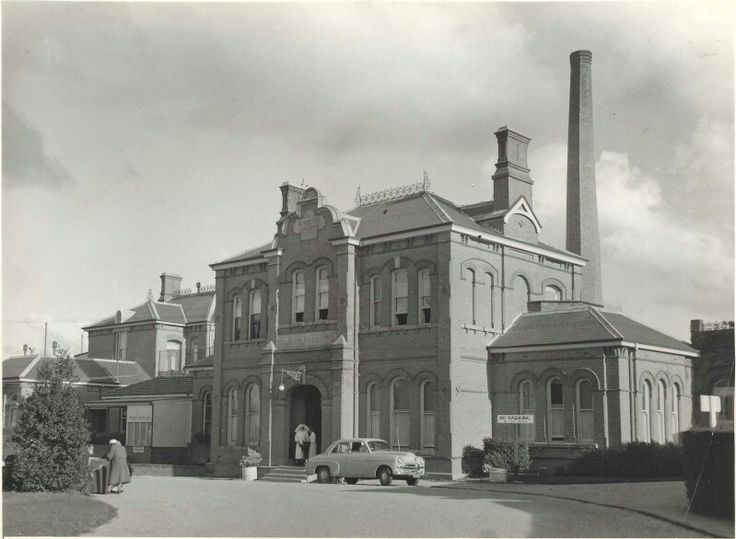 Goulburn Hospital,New South Wales in 1950.A♥W