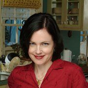 Still of Elizabeth McGovern in The Brotherhood of Poland, New Hampshire (2003)