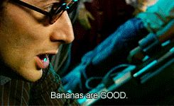 (gif) BANANAS ARE GOOD.