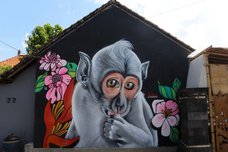 Kas / Street art. Take a look at our site for all the graffities we have found!