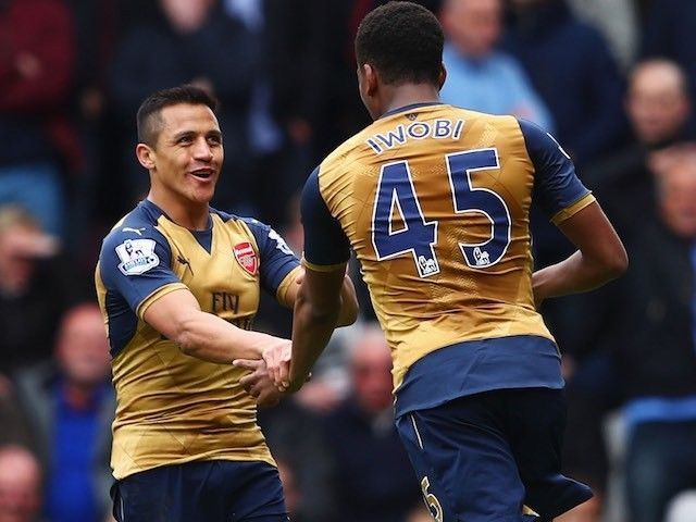 Alex Iwobi hails Arsenal teammate Danny Welbeck