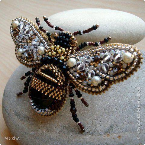 Украшение 8 марта Выпускной День рождения Бисероплетение Вышивка Брошь Пчела Бисер Кожа фото 4