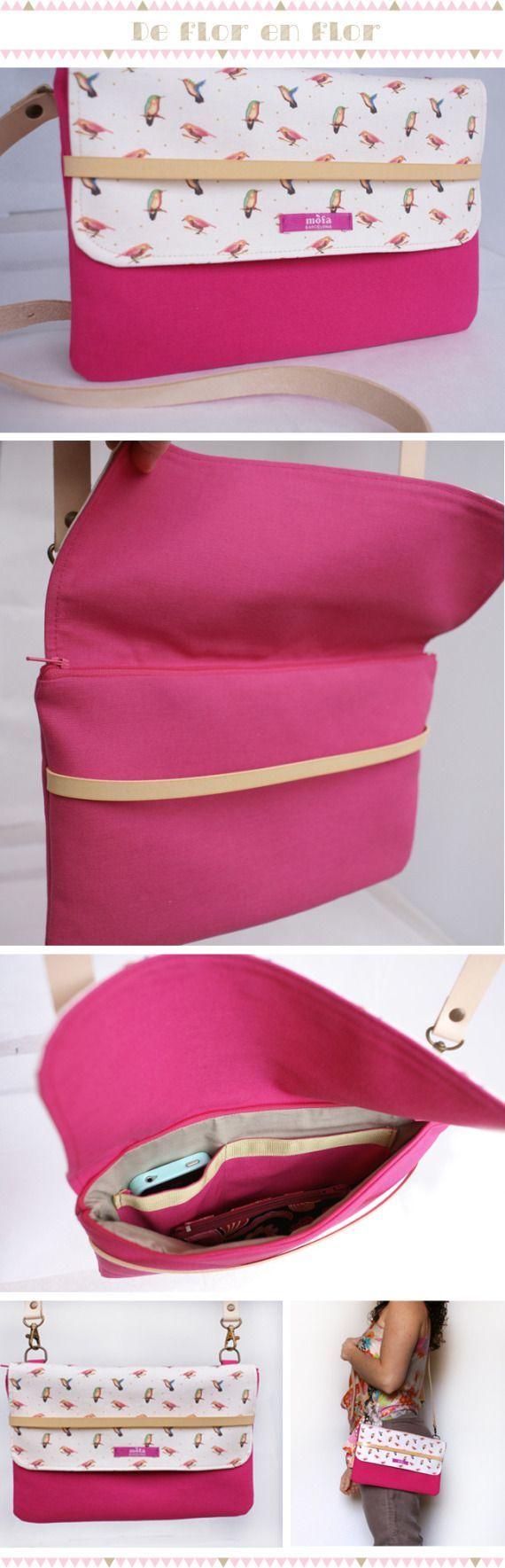 .Une jolie sacoche avec des couleurs girly