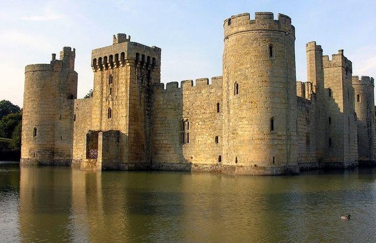 Замок Бодиам.Англия.