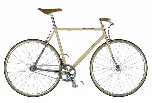 vogue.nl Dit is de fiets waar ik al maanden van droom. Afkomstig uit de Pista-collectie van het Italiaanse merk Bianchi. Dit is de Via Brera, zonder versnellingen, maar desgewenst wel met rem. In Berlijn fietsen alle hipsters op een single speed. In Amsterdam binnenkort ook, als het aan mij ligt.