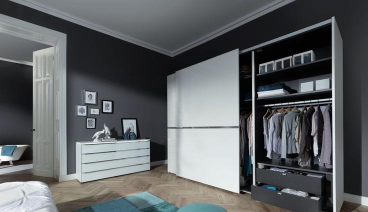 Trend Nolte Novoplan ST inloopkast paneelsysteem Het biedt een uitgebreid assortiment opbergmogelijkheden voor uw kleding en accessoires Interieur u