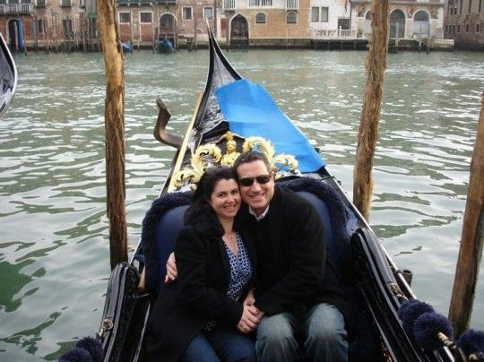 25 Incredible Ways to Propose Abroad: http://travelblog.viator.com/incredible-ways-to-propose-abroad/