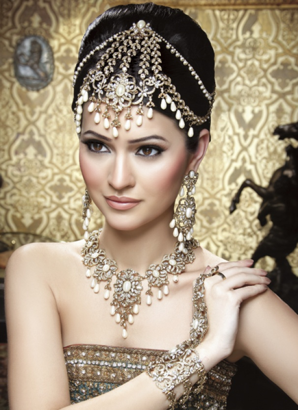 Opal and perals - 2013 Wedding Trend for Indian Brides Indian Jewellery | South Asian Life  fullcircleeventi.com