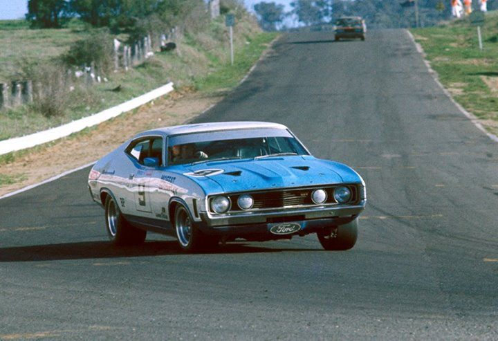 The Ford XA Falcon GT hardtop of Allan Moffat and Ian Geoghegan on the way to victory at the 1973 Hardie-Ferodo Bathurst 1000.