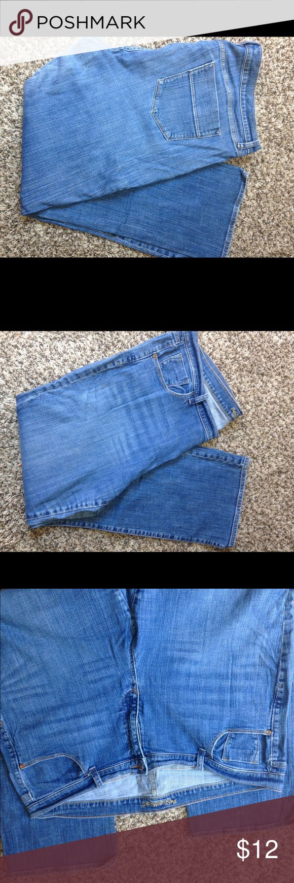 "Old Navy Jeans ""The Sweetheart"" Old Navy Jeans ""the Sweetheart"" bootcut/size 20 regular/great condition Old Navy Jeans Boot Cut"