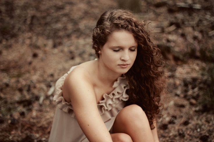 wood / forest / girl / lost / brown / skin / curls /nude