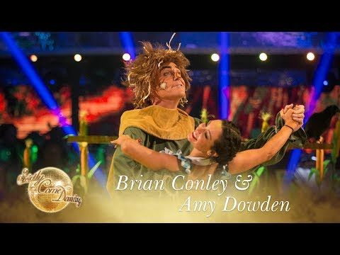 Brian Conley and Amy Dowden American Smooth to 'If I Only Had A Brain' - Strictly Come Dancing 2017 - YouTube