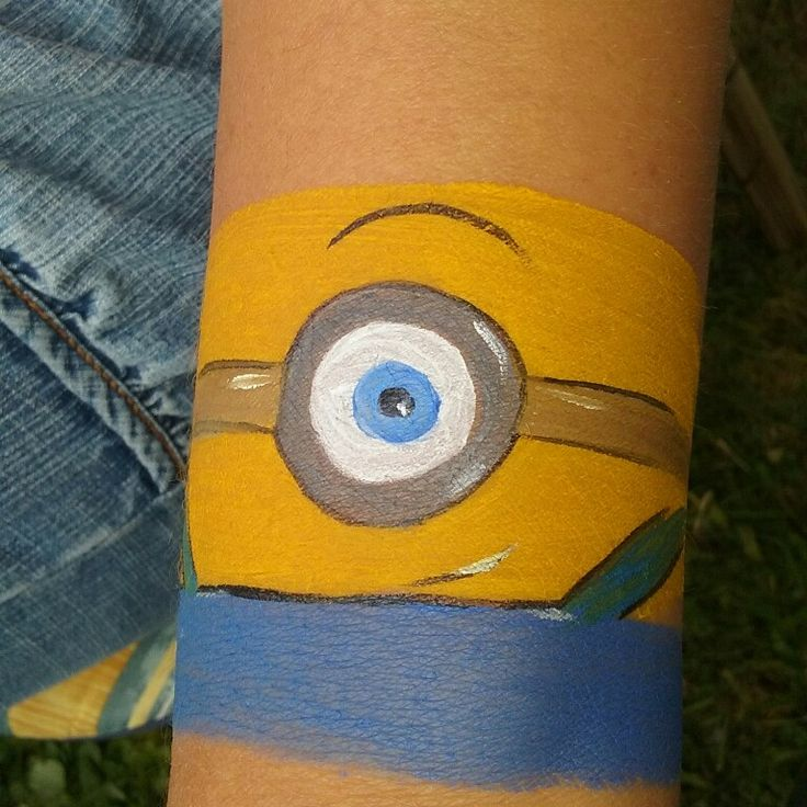 Facepaint. Ansiktsmaling. Made by Jane M Trolle. Norway. Minions.