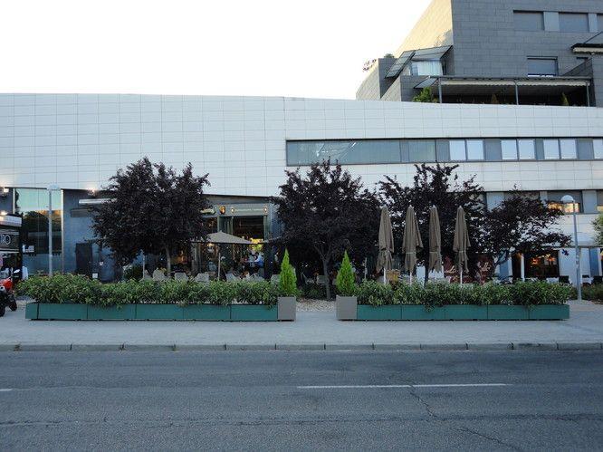 17 best images about jardineras para terrazas on pinterest - Jardineras prefabricadas ...