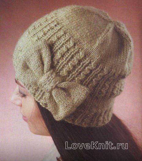 Схема спицами узорчатая шапка с бантом