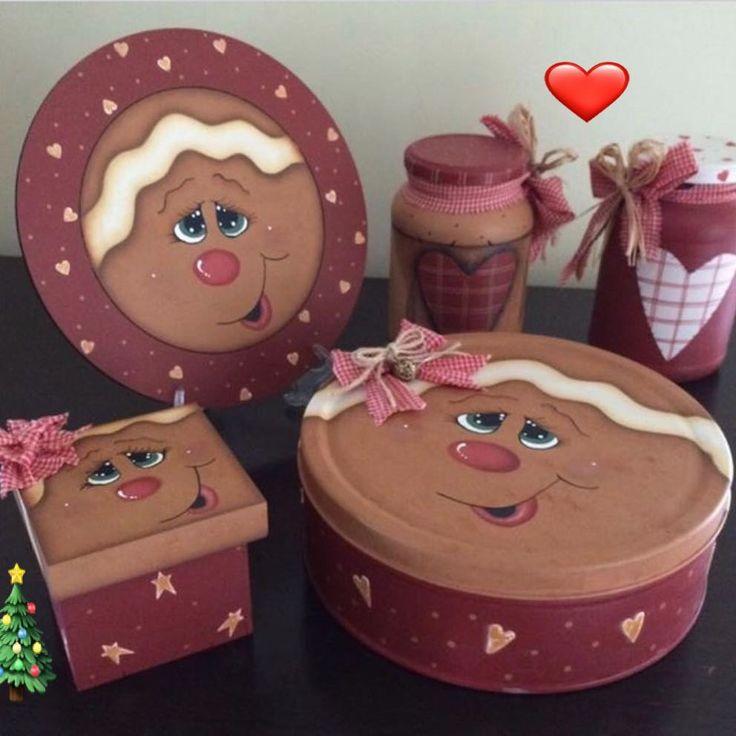 Oláaa meu povo lindoo! Mais Tesouros, estas lindezas foi minha aluna virtual Soraia Przendsiuk que fez! Eu acho que ela merece muitas curtidas hem? Bora curtir e pode Compartilhar! Gratidão ❤️#natal #decoration #pinturacountry #madeira