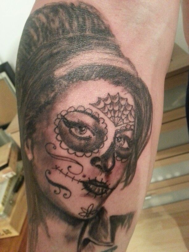 Santa Muerte tattoo by Martin Nissl