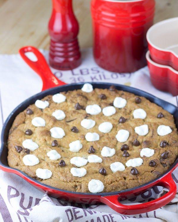 Mega cookie de chocolate y marshmallows