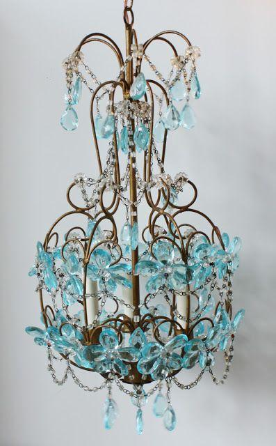 Décor de Provence: The Perfect Vintage Chandelier