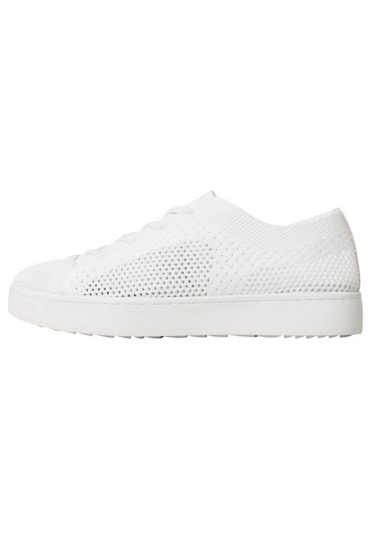 Mango. Trainers - off-white. Pattern:plain. Sole:synthetics. Padding type:Cold padding. Shoe tip:round. Heel type:flat. Lining:polyester. shoe fastener:laces. upper material:polyester. Insole:synthetics