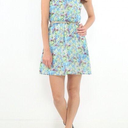 Rochie de vara Pull&Bear Flowers #rochie #dress #flowers #blue #brandcircus #fashion #clothes http://bit.ly/2av6xiy