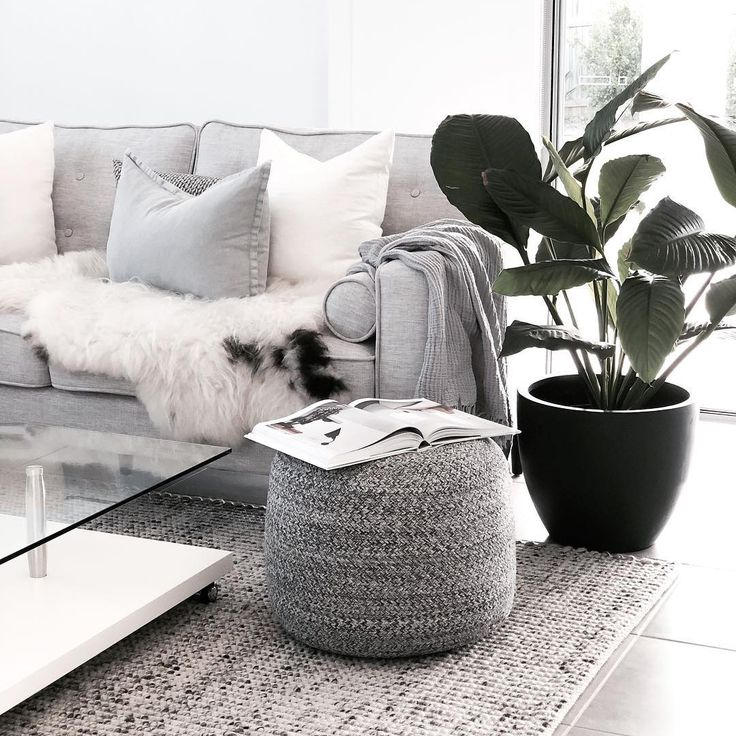 """Beautiful photo of our Carlos Felted Wool Flatweave Rug Grey Natural (in size 320 x 230cm) 💕💕 https://buff.ly/2ImCtof  Repost http://www.instagram.com/house_of_o.u.r.s ... """"Finally the sun appeared today! I have been dying to take a photo of the rug I won from Rugs Of Beauty 😍"""