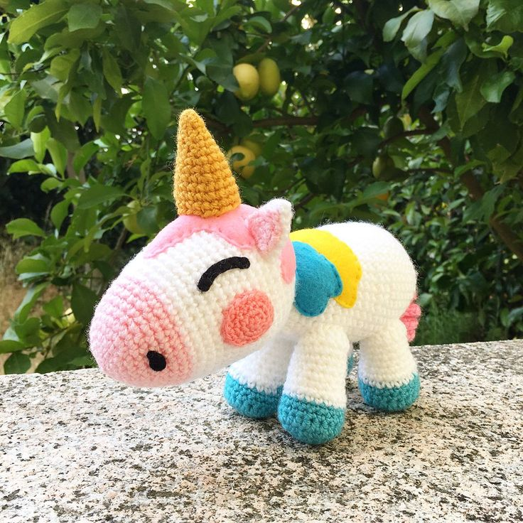 "@lemonyarncreations) ""If you've been following my insta story you know I've been working on a special Unicorn project 🦄💖…"""