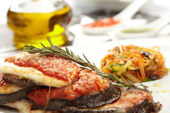 Baked Eggplant Slices in Tomato Sauce, Vegewarian RECIPE