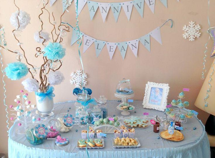 Belle décoration de buffet d'anniversaire Reine des Neiges