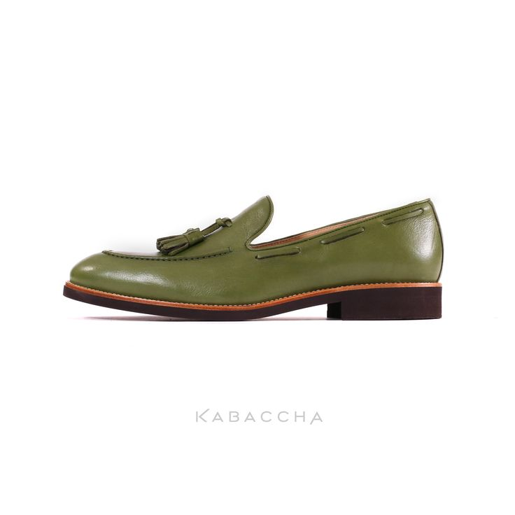 Kabaccha Shoes // Green Nappa Leather & Brown Sole Loafer #KabacchaShoes #Loafers
