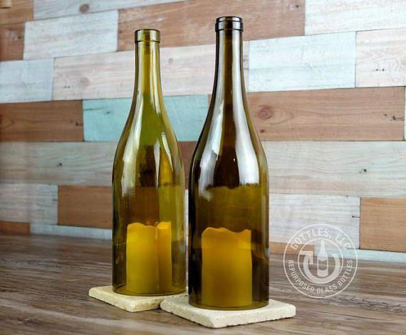 1 un huracán vela cubierta con dimensiones aprox. de 3 x 11.5. Velas + Base no incluida. Para velas sin llama. Nota: Para colores mezclados, por favor especificar colores de su elección al finalizar la compra. Este producto ha sido hecho de una botella de vino reciclada. Los materiales usados son botellas de vidrio vacías recuperadas de amigos, bares y restaurantes, reciclado en productos de vidrio útil y respetuoso del medio ambiente. Si en cualquier momento un producto defectuoso, por…