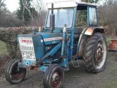 FORD 4000 WITH LOADER Diesel Tractors in Shipley Bridge, | Auto Trader Farm