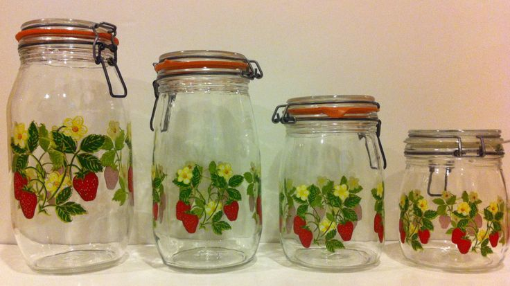 Set of 4 arc france strawberry mason jars canisters for Kitchen set 2 x 3