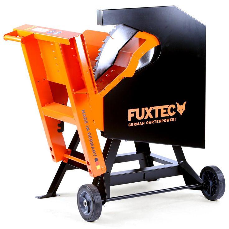 Cirkulárka kolébková okružní 700mm FX-WKS1700. Výkonný motor kolébkové okružní pily FX-WKS1700 zaručuje vysoký řezný výkon. Pila Vám bude sloužit opravdu velmi dlouhou dobu díky robustní svařované konstrukci. Práci usnadňuje ideální otočný bod. Pilový list 700 mm z tvrdokovu, průměr řezu max: 250 mm, výkon: 5,2 KW, hmotnost 92,5 kg. Otáčky motoru: 1400 min-1.
