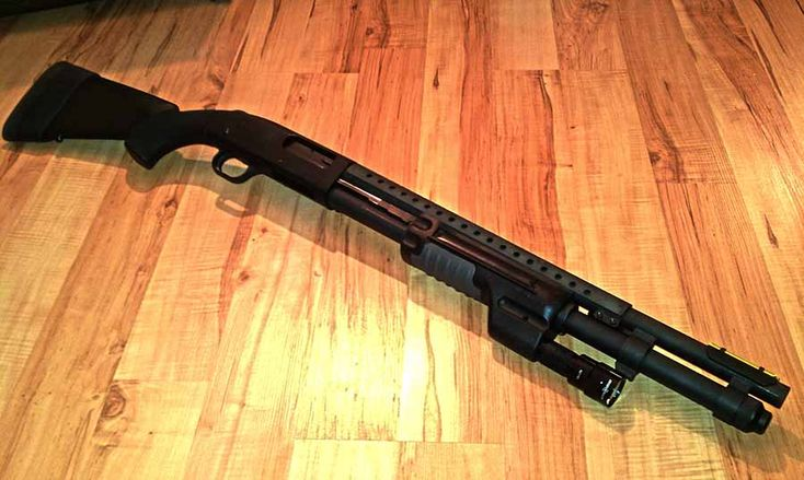 Buying a home defense shotgun can be a daunting task if you don't know what to look for. Thankfully, Guns.com made a handy list of the top five HD shotguns.