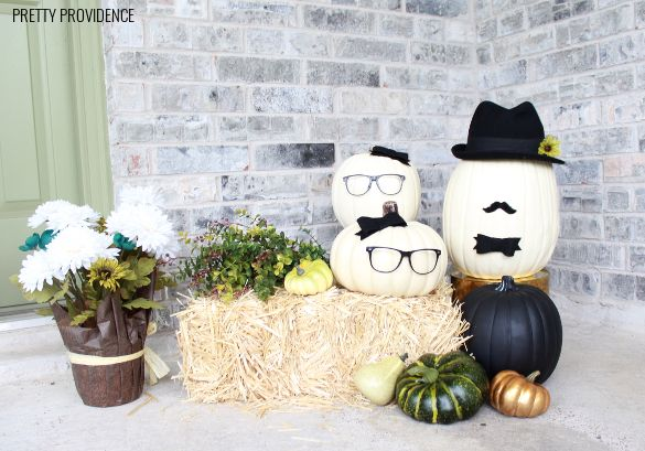 This no-carve pumpkin idea is fun and easy way to decorate your porch for fall and Halloween! Courtesy of MichaelsMakers Pretty Providence