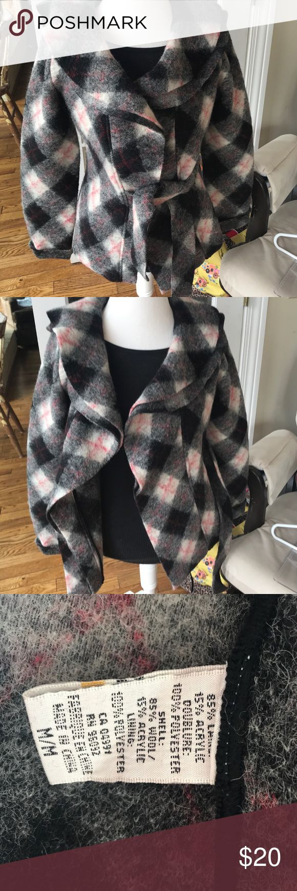 Katherine Barclays Coat Black and Red Plaid: wool coat/sweater Katherine Barclay Jackets & Coats Blazers