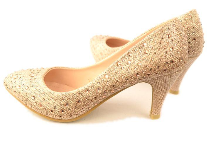 Avond Gala Feest Schoenen met SteentjesDe mooiste avond schoenen bestelt u in onze winkel. Bij ons vindt u verschillende betaalbare avondschoenen, feestschoenen en bruidschoenen. U vindt gegarendeerd de avond schoenen die u outfit compleet maakt. Bekijk ons collectie!!! Er is vast wel een avond scho