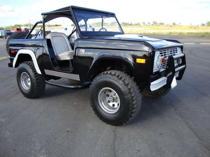 Ford Bronco With Images Ford Trucks Trucks